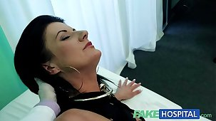 FakeHospital Smart mature sexy MILF has a sex recognition to make