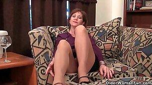 Full-grown dam unleashes her naughty side