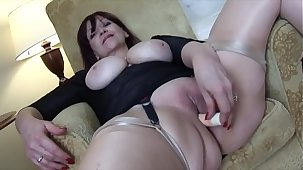 Big tits Mature babe teases and masturbates alongside say no to trinket