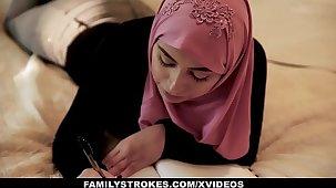 FamilyStrokes - Pakistani Wife Rides Weasel words In Hijab