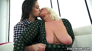 Anina loves the bent of an old pussy