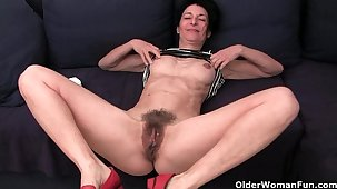 Granny hides a full bed out in her soaked panties