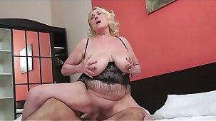 hot grandma  anal coition