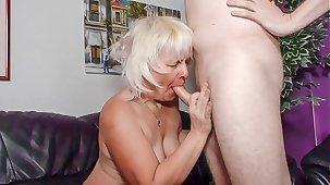 XXX OMAS - Amateur blonde granny Gabriele H. likes it ballpark