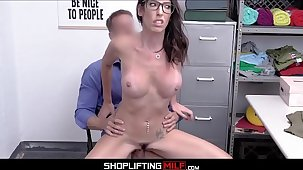 Senator's Wife Big Bosom MILF Dava Foxx Caught Shoplifting Quiver Coition With Officer After Fellow-feeling a amour Control Is Made
