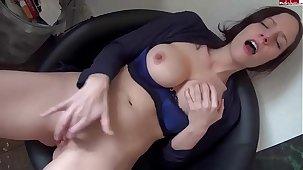 hot busty brunnette fingers herself