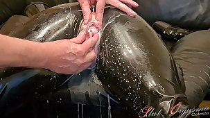 Slave Slut-Orgasma Celeste in Latex fishy holes, enema