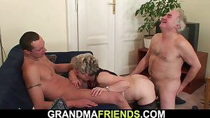 Horny grandmother fingering venerable pussy before threesome