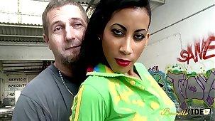X-rated Milf cubaine qui aime le sexe