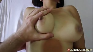 Asian Sexual intercourse Diary - MILF meets up with white vacationer to get fucked