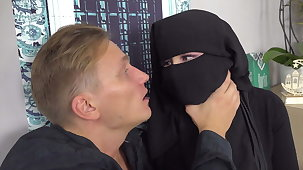 Lonely Muslim has sex with caring band together