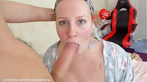 Hot Mom Gets Her StepSon'S Cum In Her Throat As A Gift For Valentine'S Day.